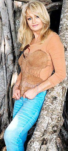 Bonnie Tyler, sensacional em Total eclipse of the heart