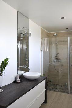 Badet nede - nå og da  - benkeplate - spesiellaget, servant - Kvik, baderomsinnredning - Ikea