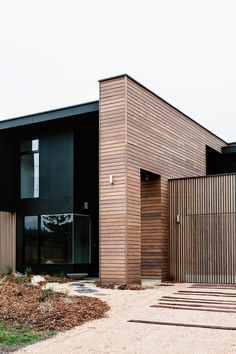 An Urban Village: COTTESLOE - BARWON HEADS RESIDENCE BY ALTERECO DES...