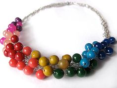 Colar em crochet? de arame- Laughing Starfish: Rainbow Ribbon Netted Necklace- no Flickr