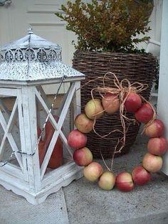 An apple wreath! Love this, and so stinkin' easy! Fall Wreaths, Christmas Wreaths, Fall Home Decor, Holiday Decor, Apple Wreath, Meaning Of Christmas, Fall Scents, Fun Cup, Autumn Photography