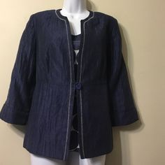 UN JOUR AILLEURS 2 pieces jacket and top,Size10-12 France size 42 , very good quality,good looking,perfect condition Jackets & Coats