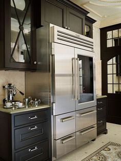 Multiple large compartments add up to plenty of well-organized cool storage. Professional-grade refrigerators take significantly more floor space than standard fridges, but if you're big on having plenty of fresh produce and cold beverages, the ability to Kitchen And Bath, New Kitchen, Kitchen Decor, Awesome Kitchen, Kitchen Ideas, Beautiful Kitchens, Cool Kitchens, Banquettes, Layout Design
