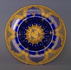 A Vecchia Murano glass dish, 20th century, painted and gilt.