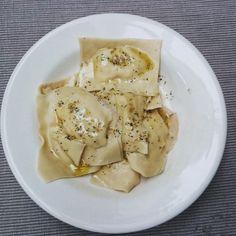 Recept: ravioli met een vulling van zalm en ricotta van #overkruiden Ravioli, Ricotta Pasta, Recipe Images, Gnocchi, Pasta Recipes, Italian Recipes, Feel Good, Mashed Potatoes, Good Food