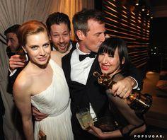 Pin for Later: Diese Oscars-Fotos bringen euch garantiert zum Lachen  Amy Adams und Spike Jonze feierten durch die Nacht bei der Party von Vanity Fair.