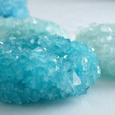 Make super huge DIY Borax Crystals with this tutorial, which includes trouble shooting tips.