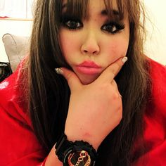 #me  new watch @gshock_jp  やっぱりBlackGoldが好きなのだ #selfie#Me#me#makeupforever#longhair#hairextension#colorcontact#grayeyes#newin#newone#ootd#outfit#springcoordinate#vintagelover#usedaccessories#pinklips#like4like#instalike#instasize#お洒落さんと繋がりたい#おしゃれさんと繋がりたい# @potbound3006 #blouson#Budweiser#