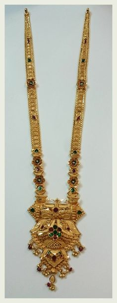 Gold Mangalsutra Designs, Gold Jewellery Design, Gold Jhumka Earrings, Gold Necklace, Gold Jewelry Simple, Indian Outfits, Shoe, Jewels, Gold Pendant Necklace