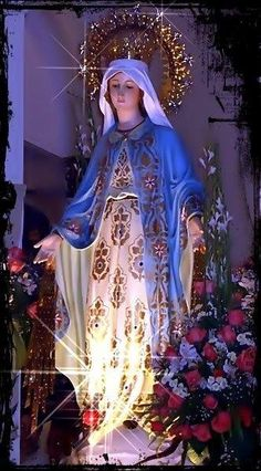 Our Lady of the Roses, Mary help of Mothers Jesus Mother, Blessed Mother Mary, Divine Mother, Blessed Virgin Mary, Religious Pictures, Jesus Pictures, Religious Art, Immaculée Conception, Hail Holy Queen