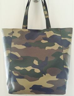 Love this new camo tote from Banana Republic!