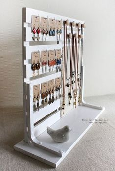 Ideas diy jewelry hanger crafts for 2019 Diy Jewelry Hanger, Jewelry Booth, Hanger Crafts, Jewelry Stand, Jewelry Armoire, Jewelry Holder, Necklace Holder, Jewelry Rack, Hanging Jewelry