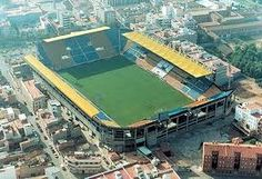 """See 247 photos and 22 tips from 836 visitors to Estadio El Madrigal. """"In the Marcos Senna tribute match, the Cosmos lost their first game in nearly. Villarreal Cf, Valencia, Team Games, Yellow Submarine, Great Team, Poker Table, Four Square, Basketball Court, Camping"""