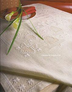 Всем, кто вяжет, дарю старые идеи для новых работ - Хардангер* скатерть белая .......................................