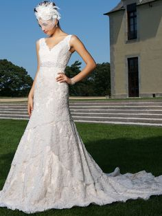 2015 Style Trumpet/Mermaid  V-neck Court Train Tulle Wedding Dresses #QS555