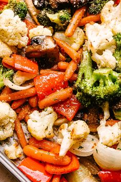 Easy Oven Roasted Vegetables - Perfectly tender and packed with flavor, this recipe is the easiest, most simplest way to roast vegetables. Healthy, easy recipe that can be adapted to fit any veggies you've got on hand! Easy Vegetable Side Dishes, Vegetable Sides, Veggie Dishes, Roasted Veggies In Oven, Roasted Vegetable Recipes, Best Vegetables To Roast, Seasoning For Vegetables, Vegetables In The Oven, Boiled Vegetables Recipe