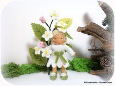 Apfelblüte Blumenkinder Jahreszeitentisch von Susannelfes Blumenkinder  auf DaWanda.com