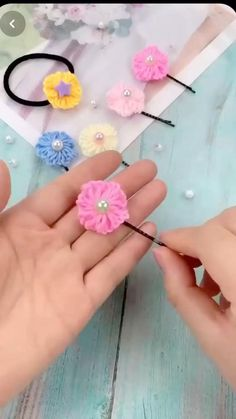 Diy Crafts Love, Diy Crafts Hacks, Diy Crafts For Gifts, Yarn Crafts, Fabric Crafts, Diy Hair Bows, Diy Bow, Diy Ribbon, Ribbon Flower