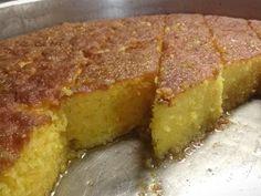 """Νόστιμη συνταγή μαγειρικής από """"Tzela Antonopoulou-ΟΙ ΧΡΥΣΟΧΕΡΕΣ / ΗΔΕΣ"""" Υλικά (για ταψί νούμερο 38) 12 αβγά χωρισμένα κρόκους ασπράδια 1 1/2 φλ. ζαχαρη μια πρέζα αλάτι 1 φλ αλεύρι 1 φλ σιμιγδάλι ψιλό 1 φλ σιμιγδάλι χοντρό 1 κ.σ μπεικιν"""