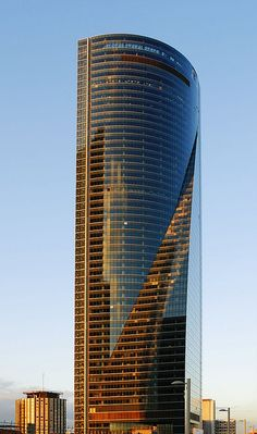 Torre espacio 236m, 57 floors, completion 2008. Madrid, Spain