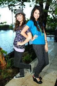 Best Friends Demi and Selena <3 them!