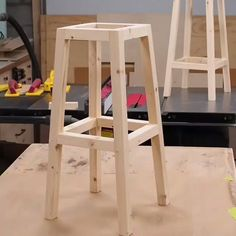 How 😍Cool Is This 🛠! other ideas? projects 📥 How to Build your own with woodworking plans! *not every pic or post is in the wood plans package Diy Bar Stools, Diy Stool, Diy Chair, Stool Chair, Wood Stool, Woodworking Furniture Plans, Diy Woodworking, Diy Furniture, Children Furniture