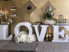 #candytable #elegance #golddetails #lovetable #welcometable #kefaloniawedding #wedding #kefalonia #floristkefalonia Welcome Table, Candy Table, Event Styling, Your Favorite, Reception, Wedding Day, Table Decorations, Elegant, Creative