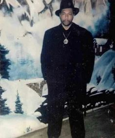 LarryHoover Gangster✡Disciple's Chairman of the Board 🔱🔱 Gangster Party, Real Gangster, Gangster Disciples, Chicago Gangs, Brooklyn, Man Cave Art, Black Families, Knights Templar, Thug Life