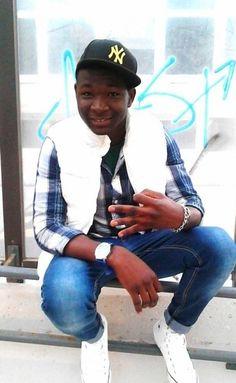 Dopo essere fuggito dal Gambia ha trovato casa in città grazie al Comune ed all'associazione Musikattiva