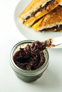 The Best Damn Bacon Jam Recipe | asimplepantry.com - This is the Good Recipe she cooks her onions for an hour.