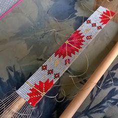 Tissage miyuki by aa Loom Bracelet Patterns, Bead Loom Bracelets, Beaded Jewelry Patterns, Bead Loom Patterns, Peyote Patterns, Beading Patterns, Bead Loom Designs, Loom Beading, Bead Weaving