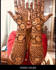 Get Amazing Collection of Full Hand Mehndi Design Ideas here. Arabic Bridal Mehndi Designs, Engagement Mehndi Designs, Wedding Henna Designs, Full Hand Mehndi Designs, Indian Mehndi Designs, Stylish Mehndi Designs, Mehndi Design Pictures, Mehndi Images, Mehndi Art
