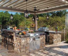 uma cozinha de pedra