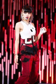 Jennie Blackpink, Blackpink Lisa, Yg Entertainment, South Korean Girls, Korean Girl Groups, Pop Fashion, Fashion Models, Rapper, Lisa Blackpink Wallpaper