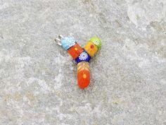 Lettera Y   Iniziale in vetro di murano. Ciondolo pendente, colori vari con murrine inserite.