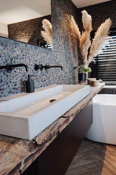 Modern Bathroom Design, Bathroom Interior Design, Wc Design, House Design, Tadelakt, Spanish House, Living Styles, Minimalist Bathroom, Beautiful Bathrooms