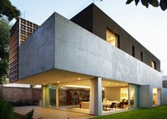 Houses with retractable walls slideshow