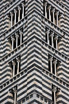 eccellenze-italiane:  Il Duomo di Sienas-h-e-e-r:torre by mym on Flickr.
