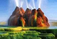 Fly Geyser in Nevada, USA is not a natural formation. It's a man-made geyser created by accident in 1964 when an explorative well drilled in the area was either left uncapped or not capped properly,. Mysterious Places On Earth, Beautiful Places In The World, Places Around The World, Amazing Places, Mount Roraima, Nevada Usa, Pamukkale, Le Site, Natural Phenomena
