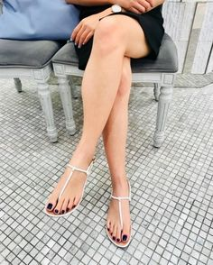 Beautiful Toes, Lovely Legs, Great Legs, Nice Legs, Cute Toes, Pretty Toes, Sexy Sandals, Bare Foot Sandals, Feet Soles