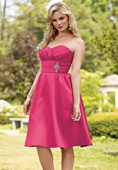 bridesmaids. Love this. But I need something that will be flattering on girls with different figures