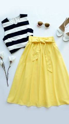 Do Or Tie Canary Yellow Midi Skirt- love the yellow skirt!Spring/Summer/Work (Canary Yellow Midi Skirt, black and white top, white shoes)Cheer After Year 2017 Planner in Gold Dots, Modcloth Breathtaking Tiger Lilies Midi Skirt in Mustard, Modcloth In Mode Chic, Mode Style, Bohemian Style Wedding Dresses, Dress Wedding, Lace Wedding, Floral Wedding, Cooler Look, Mode Inspiration, Fashion Inspiration