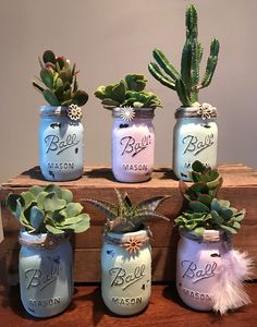 56 Incredibly Amazing DIY Succulents Project Ideas The benefit of succulents is they can be indoors OR outdoor plants. They go beyond hens and chicks there are many types of succulents. Suculentas Diy, Cactus Y Suculentas, Mason Jar Crafts, Mason Jar Diy, Blue Mason Jars, Cactus Planta, Fleurs Diy, Cactus Decor, Cactus Centerpiece