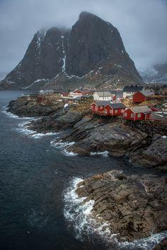 Stormy Lofoten - null