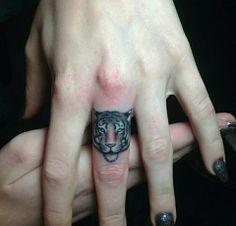 dedos tatuajes10