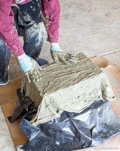 Drop Cloth and Cement Planters - Infarrantly Creative Large Concrete Planters, Concrete Bowl, Cement Art, Concrete Garden, Diy Planters, Succulent Planters, Succulents Garden, Concrete Crafts, Concrete Projects