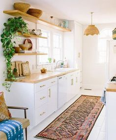 Boho kitchen DIY - 7 Boho kitchens that will make you dream this fall (Daily Dream Decor). Sweet Home, Cuisines Design, Dream Decor, Beautiful Kitchens, Interior Design Kitchen, Kitchen Designs, New Kitchen, Kitchen Ideas, Kitchen White