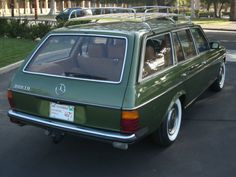Clever tire choice plus a Volvo wooden roof rack really pull this car together into a unique build. Euro 1980 300 TD W123