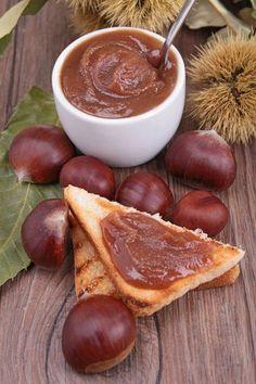 Dieses ungewöhnliche Rezept für Kastanien-Marmelade sollte man einmal probiert haben, zumal die Zubereitung ganz einfach ist.