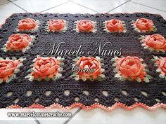 Arte em Macramê e Crochê: Tapete Marrom com rosetas